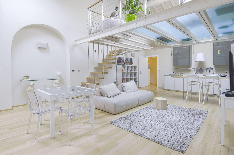 Affidati a un'agenzia immobiliare